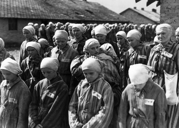 Tahanan yang dibawa ke sana umumnya adalah orang Yahudi. Selain itu, ada juga orang cacat, anak-anak, lansia, dan kalangan intelektual yang ingin dimusnahkan Hitler karena dianggap tidak berguna untuk Jerman. Foto: Getty Images