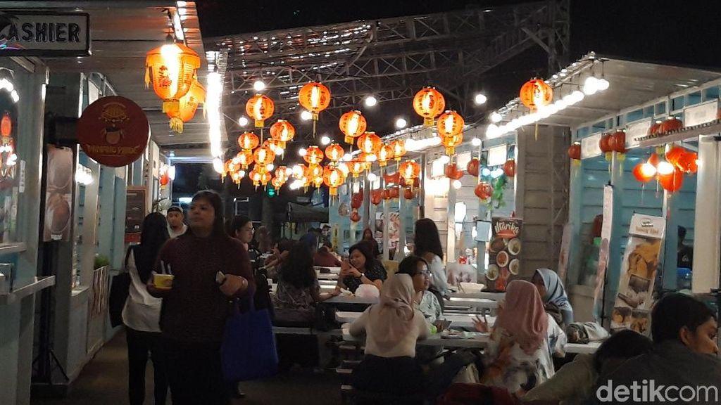 Melihat Nuansa Imlek di Pusat Kuliner Thamrin 10
