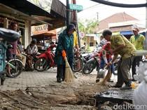 Sudah Sepekan Risma Cek Saluran Air Tersumbat untuk Cegah Banjir