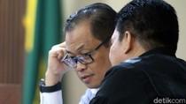 Perantara Suap Eks Ketua MK Akil Mochtar Divonis 4,5 Tahun Penjara