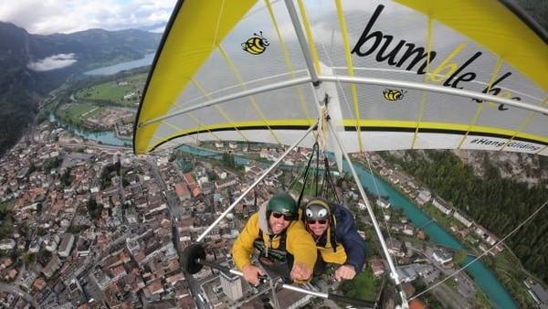 Kurang dari setahun kemudian, Gursky kembali, terbang mengamati lanskap Alpine. Pasangan ini memilih perusahaan gantole yang berbeda kali ini, yakni Wolfgang Siess, salah satu layanan terbaik di dunia (Foto: Chris Gursky/CNN)