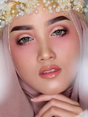Mengenal Teknik Sosis Bakar, Bakar Foundation Agar Makeup Awet Seharian