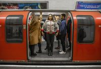 Jaket dibuat sebuah jaringan bisnis hotel agar traveler lebih nyaman saat datang ke London.
