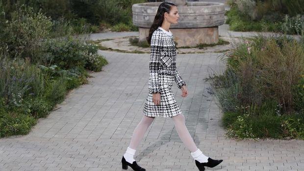 Virginie Viard menghidupkan kembali filosofi fesyen Coco Chanel