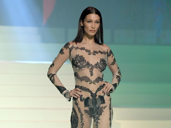 PARIS, FRANCE - JANUARY 22: Bella Hadid walks the runway during the Jean-Paul Gaultier Haute Couture Spring/Summer 2020 show as part of Paris Fashion Week at Theatre Du Chatelet on January 22, 2020 in Paris, France. (Photo by Pascal Le Segretain/Getty Images)
