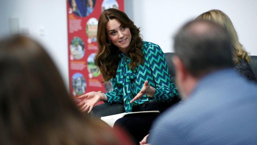 Foto: Kate Middleton Pamer Gelang Emas Baru, Harganya Rp 2 Jutaan