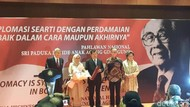 JK Cerita Gaya Diplomasi Bung Karno Paling Keras, Kalau Jokowi?