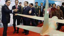 Kompak! Jokowi-Prabowo Tinjau Pameran Alutsista Buatan Dalam Negeri