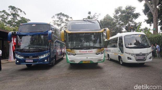 Ilustrasi bus Hino