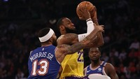 Bawa Lakers Kandaskan Knicks, James Dekati Rekor Bryant