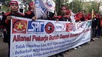 Demo Depan DPRD Sumut, Lalin Sekitar Lapangan Benteng Medan Macet