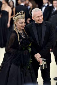 Jean-Paul Gauliter Pensiun, Fashion Show Terakhirnya Penuh Kemeriahan