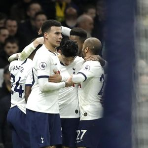 Hasil Liga Inggris: Bungkam Norwich 2-1, Tottenham Buntuti MU