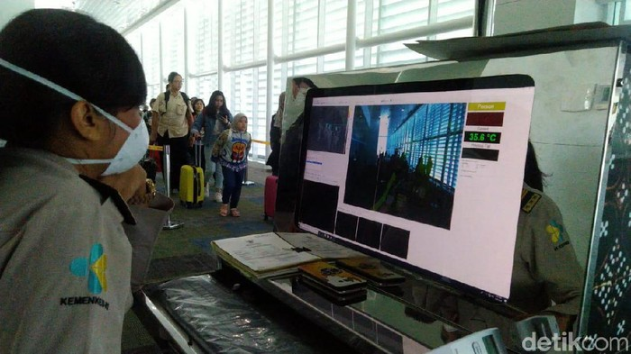 Screening virus corona di Bandara A Yani