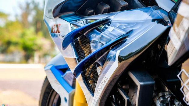 Sayap depan pakai winglet ala motor MotoGP