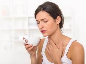 7 Makanan untuk Radang Tenggorokan dan Cara Mengatasinya
