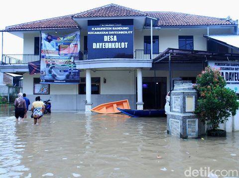 Banjir di Dayeuhkolot.