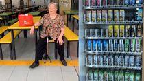 Sedih! Sudah Jualan Minuman 70 Tahun, Nenek Ini Digantikan oleh Vending Machine