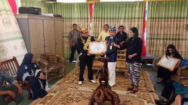 Jabar Hari Ini: Pesan Sunda Empire ke Ridwan Kamil-Surili 'Siluman' Ditangkap