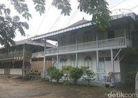 Rumah Keluarga Tjhia : Lezatnya Choi Pan Hangat di Rumah Berusia 118 Tahun