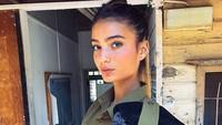 Pesona 10 Tentara dan Polisi Israel Cantik yang Eksis di Instagram
