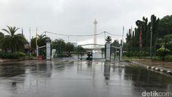 Banjir di Pintu Monas Seberang Istana Surut