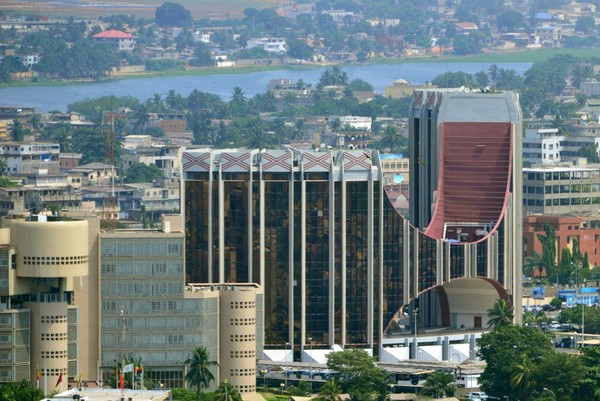 Togo adalah negara yang berada di Teluk Guinea dengan ibukota adalah Lome. Kota ini dikenal dengan pasarnya bernama Lome Grand Market dan Pasar Festis, yang menawarkan jimat dan obat tradisional yang berhubungan dengan Voodoo. (iStock)