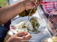 Lulusan S1, Gadis Manis Ini Lebih Memilih Jualan Nasi Sayur