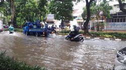 Hujan, Jalan Bungur Depan Pengadilan Tipikor Jakpus Banjir