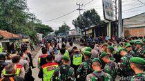 Diredam Polisi, Massa Bentrok di Sukabumi Bubar