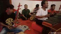 Cokek Losari, Potret Toleransi Perayaan Imlek di Cirebon