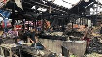 Detik-detik Kebakaran Pasar Caringin Bandung