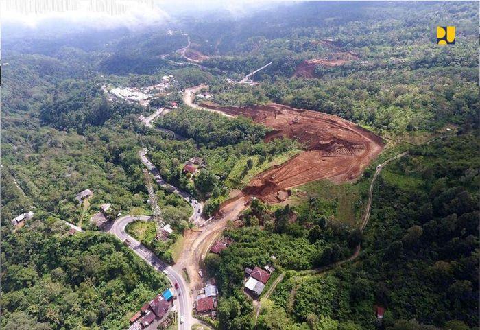 Jalan pintas tersebut akan memperpendek jarak tempuh dari Denpasar ke Singaraja dari 3 jam menjadi 2 jam dengan mengurangi jumlah kelokan yang ada. Istimewa/Kementerian PUPR.
