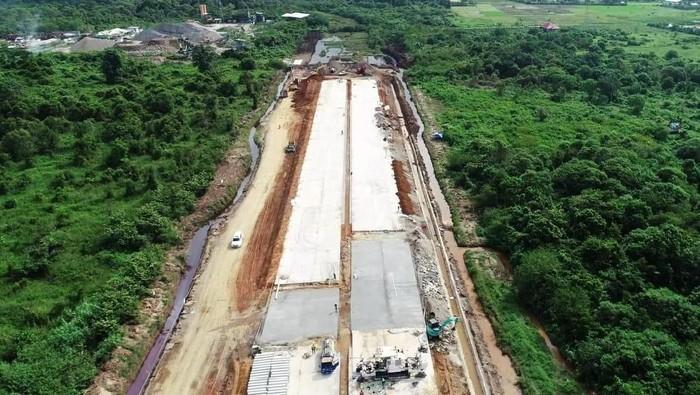 Pembangunan jalan tol Trans Sumatera terus bergulir. Salah satunya proyek ruas tol Padang-Sicincin 36,15 kilometer.