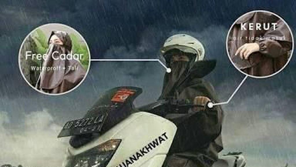 Jas Hujan Syari Aman Dipakai Berkendara?