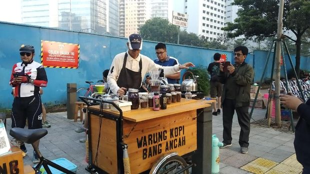 Jual Kopi di CFD, Nurmansyah Perkenalkan Diri Sebagai Cawagub DKI
