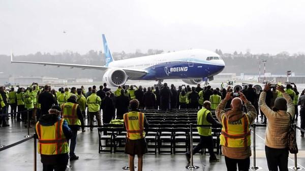 Boeing 777-9X, jadi secercah harapan bagi perusahaan penerbangan AS yang sedang bermasalah itu. Berbulan-bulan perusahaan itu jadi berita utama karena 737 MAX 8 (Foto: CNN)