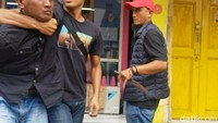 Detik-detik Polisi Bekuk Penumpang yang Gorok Sopir Angkot di Garut