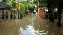 Penampakan Banjir di Tegal karena Tanggul Jebol