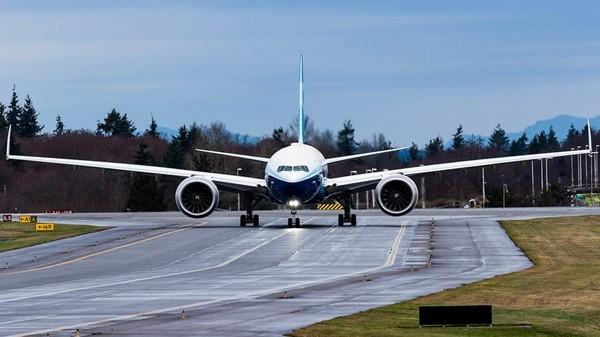 Boeing 777-9X adalah program yang diluncurkan kembali pada November 2013. Pesawat ini jadi penerus pesawat berbadan lebar paling sukses yang pernah dibuat, 777 yang pertama kali masuk layanan hampir 25 tahun yang lalu (Foto: CNN)