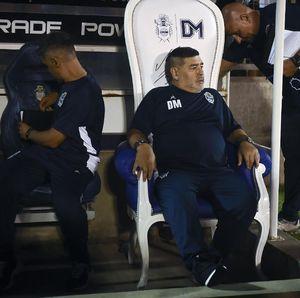 Singgasana untuk Raja Maradona di Gimnasia