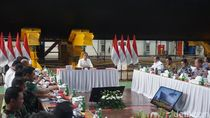 Gelar Ratas Dekat Kapal Selam KRI Cakra 401, Ini Pesan Jokowi soal Alutsista