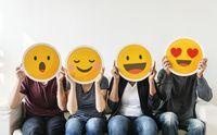 Cara orang Asia dan orang Barat mengungkapkan ekspresi bisa dilihat dari perbedaan emotikon.