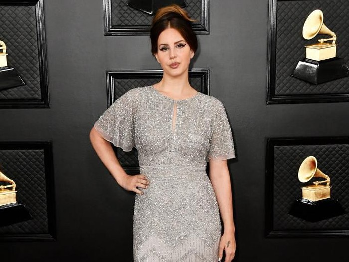 LOS ANGELES, CALIFORNIA - JANUARY 26: Lana Del Rey attends the 62nd Annual GRAMMY Awards at STAPLES Center on January 26, 2020 in Los Angeles, California. (Photo by Frazer Harrison/Getty Images for The Recording Academy)