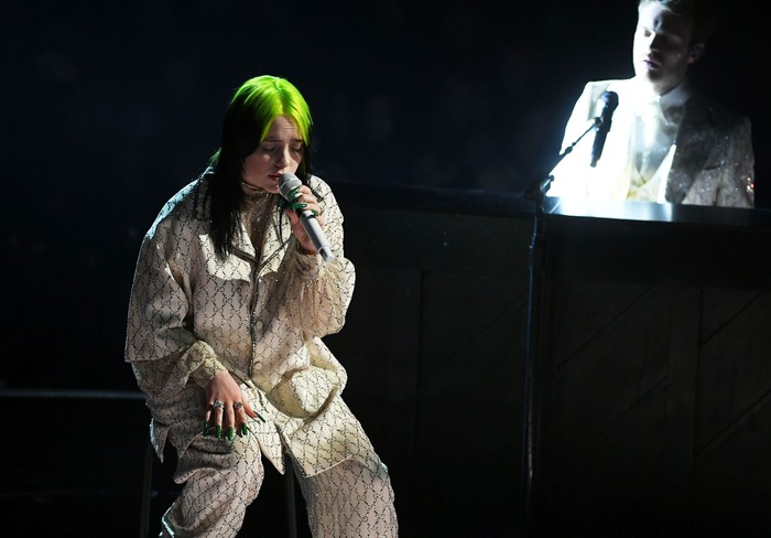 LOS ANGELES, CALIFORNIA - JANUARY 26: (L-R) Billie Eilish and Finneas OConnell perform onstage during the 62nd Annual GRAMMY Awards at STAPLES Center on January 26, 2020 in Los Angeles, California. (Photo by Kevin Winter/Getty Images for The Recording Academy )
