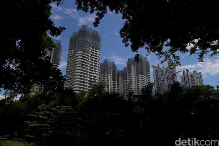 Jakarta berjibaku melawan polusi udara. Keberadaan ruang terbuka hijau jadi salah satu upaya untuk mengurangi polusi yang berdampak buruk bagi kesehatan warga.