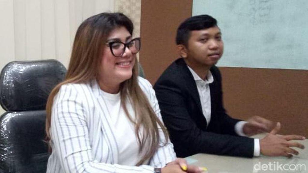 Susul Istri Ari Sigit, Regina Idol juga Diperiksa MeMiles di Polda Jatim
