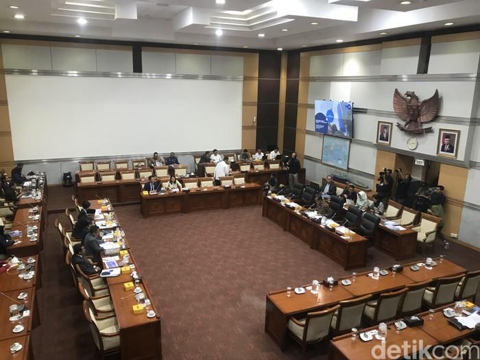 Rapat Komisi I DPR dengan Direksi TVRI (Rolando Fransiscus Sihombing/detikcom)