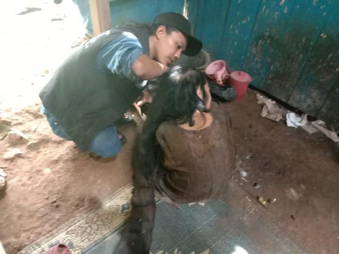 Nenek berambut gimbal 1,5 meter dan 27 tahun tidak mandi di Semarang, Senin (27/1/2020)