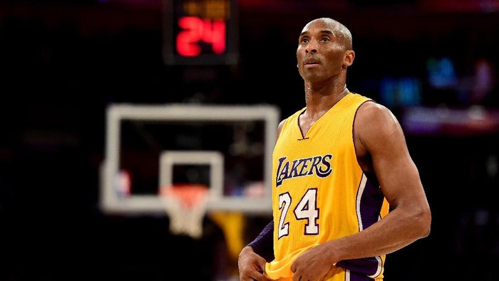 LOS ANGELES, CA - APRIL 13:  Kobe Bryant #24 of the Los Angeles Lakers reacts while taking on the Utah Jazz at Staples Center on April 13, 2016 in Los Angeles, California. NOTE TO USER: User expressly acknowledges and agrees that, by downloading and or using this photograph, User is consenting to the terms and conditions of the Getty Images License Agreement.  (Photo by Harry How/Getty Images)
